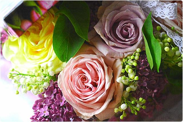 Bouquet 753168 640