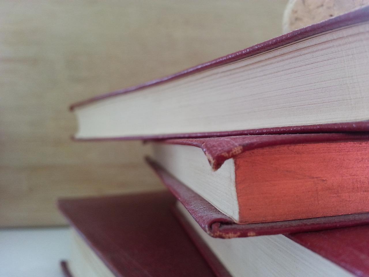 Books 942602 1280