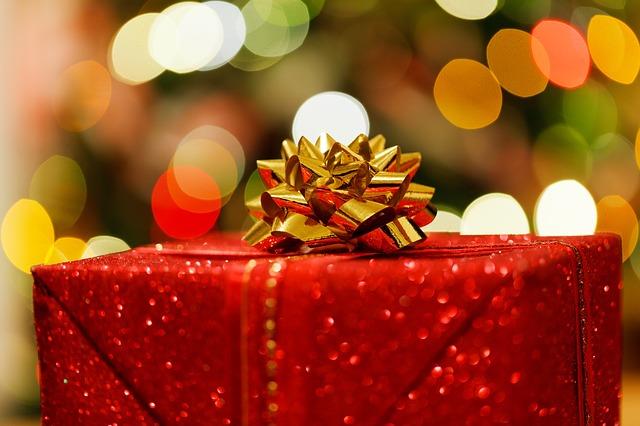 Christmas present 83119 640